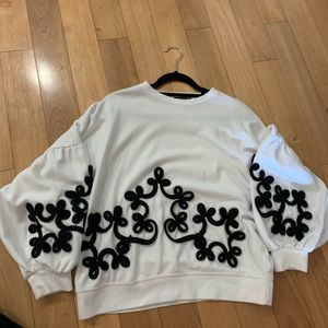 Rare ZARA PUFFY SWEATER W/B collection embroidery